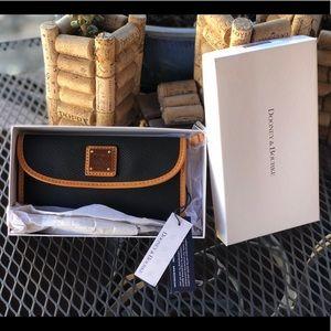 Dooney & Bourke Clutch/Wallet